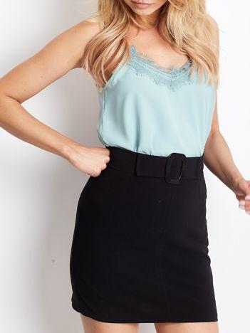 Czarna trapezowa spódnica z paskiem