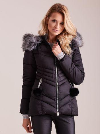 Czarna zimowa kurtka pikowana