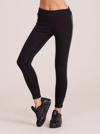Czarne bawełniane legginsy z lampasami