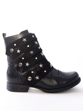 Czarne botki z ozdobnymi kryształkami i srebrnymi gwiazdkami na paskach