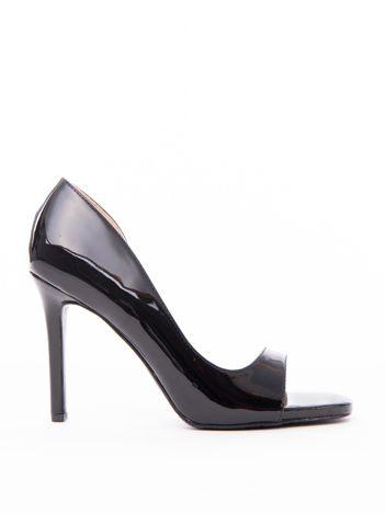 Czarne lakierowane sandałki JUMEX z wyciętym bokiem cholewki