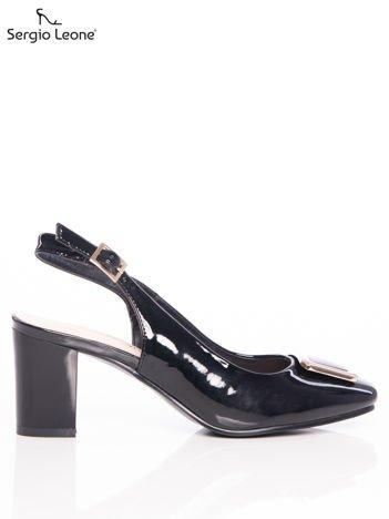 Czarne lakierowane sandały Sergio Leone z ozdobną złotą blaszką na przodzie