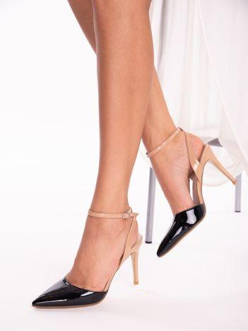 Czarne lakierowane sandały na szpilkach z czarnym paskiem zapinanym na kostkach