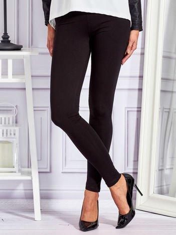 Czarne legginsy z kieszeniami