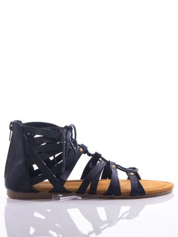 Czarne sandały Evento  z cholewką do kostek i suwakiem z tyłu