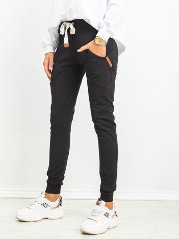 Czarne spodnie Free