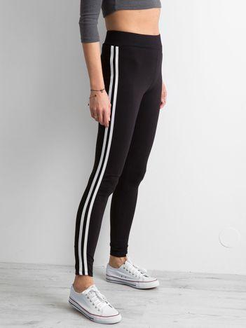 Czarno-białe legginsy z lampasami