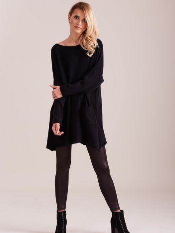Czarny długi sweter