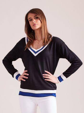 Czarny lekki sweter z dekoltem V-neck