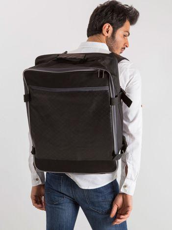 Czarny męski plecak podróżny