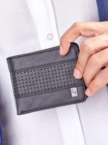 Czarny portfel męski z ażurowaniem