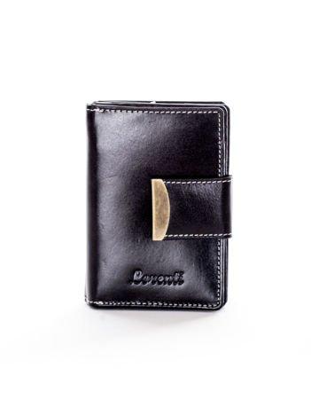 Czarny portfel ze skóry naturalnej z ozdobną klapką