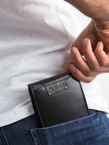 Czarny poziomy portfel męski skórzany