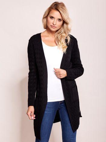 Czarny sweter z paskiem