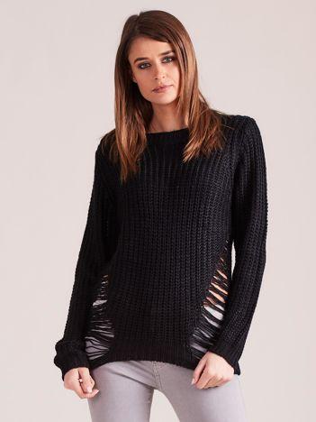 Czarny sweter z rozcięciami