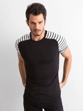 Czarny t-shirt męski z paskami