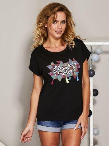 Czarny t-shirt z koralikową aplikacją