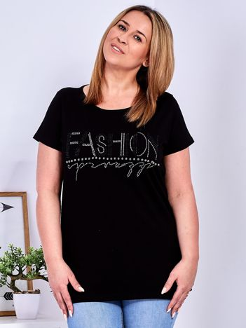 Czarny t-shirt z napisem z dżetów PLUS SIZE