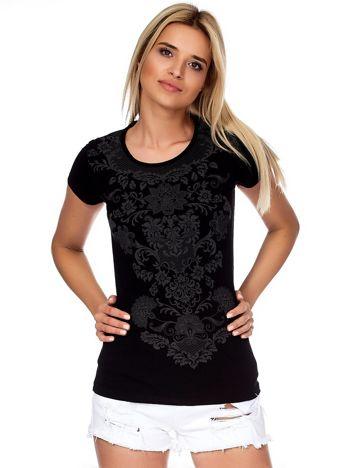 Czarny t-shirt z ornamentowym printem