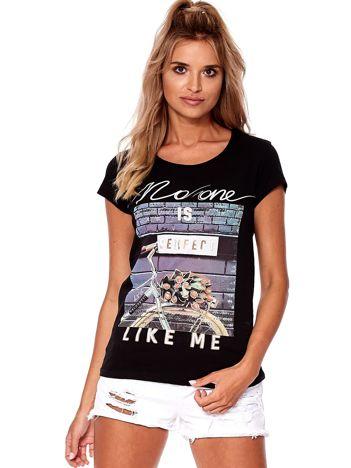 Czarny t-shirt z printem