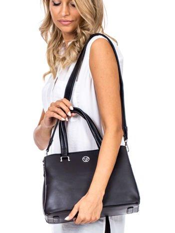 Czarny trapezowa torebka kuferek do ręki