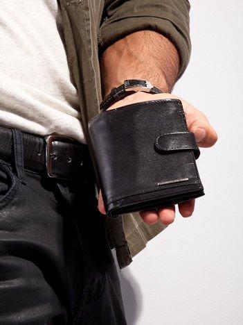 Czarny zapinany portfel skórzany dla mężczyzny