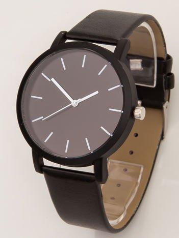 Czarny zegarek z białymi wskazówkami