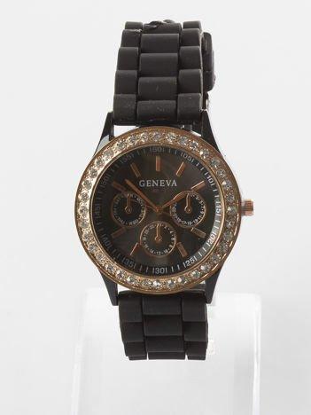 Czarny zegarek z silikonowym paskiem