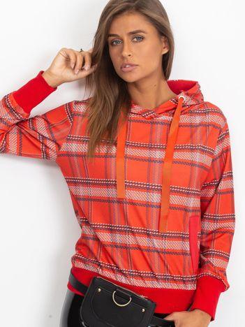 Czerwona bluza w kratkę z kapturem