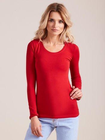 Czerwona bluzka z długim rękawem