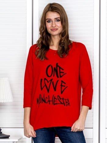Czerwona bluzka z napisem ONE LOVE