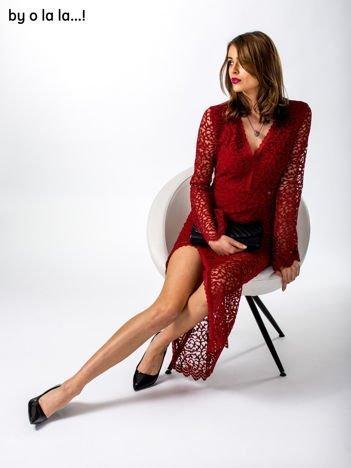 Czerwona koronkowa sukienka V-neck BY O LA LA