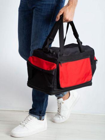 Czerwona męska torba treningowa
