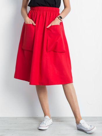 Czerwona spódnica Confidence