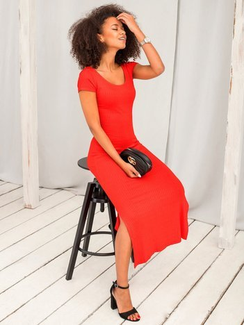 Czerwona sukienka Touching