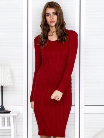 Czerwona sukienka damska w prążek