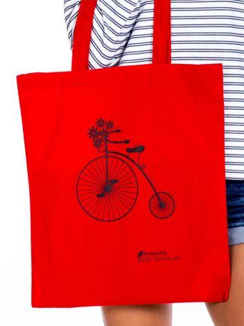 Czerwona torba materiałowa z rowerem