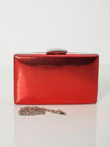 Czerwona torebka wizytowa