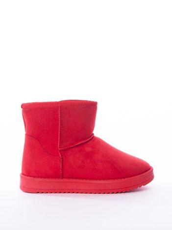 Czerwone gładkie śniegowce ocieplane futerkiem