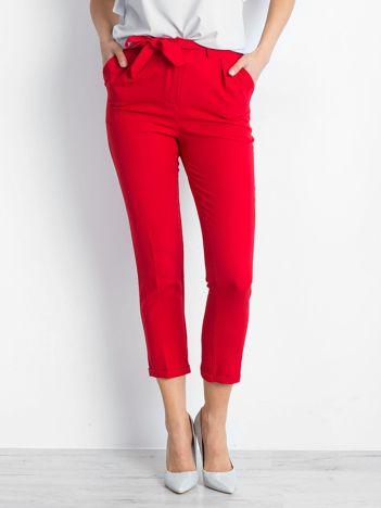 Czerwone spodnie Concealing
