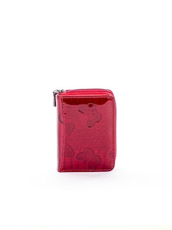 Czerwony mały lakierowany portfel ze skóry