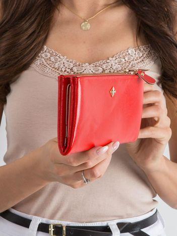 Czerwony miękki podłużny portfel z ekoskóry