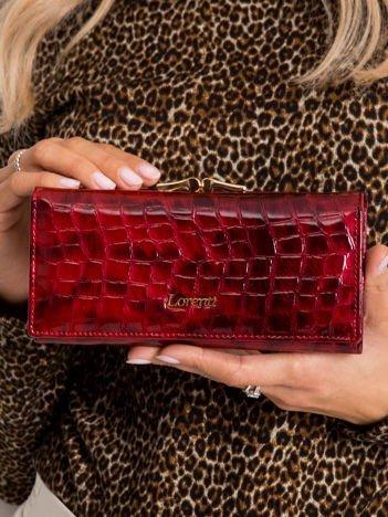 Czerwony podłużny skórzany portfel damski
