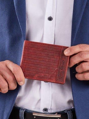 Czerwony skórzany męski portfel