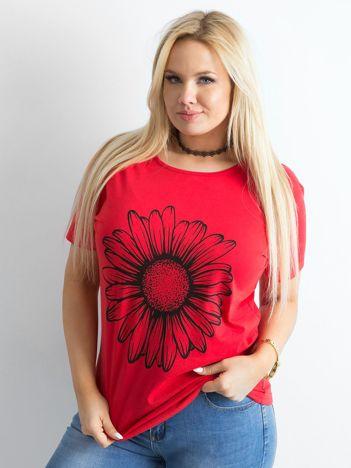 Czerwony t-shirt damski z nadrukiem PLUS SIZE