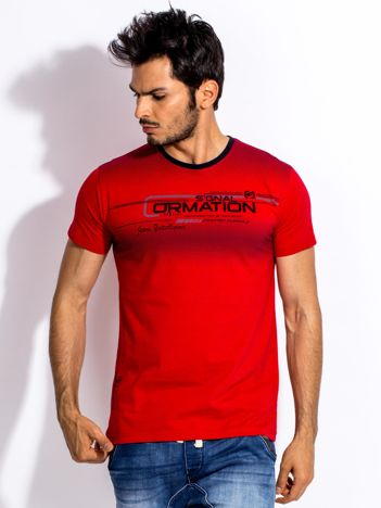 Czerwony t-shirt męski z geometrycznym nadrukiem