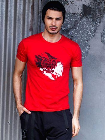 Czerwony t-shirt męski z motywem patriotycznym