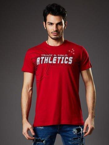 Czerwony t-shirt męski z motywem urban print