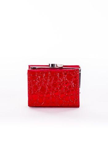 Czerwony tłoczony portfel ze skóry ekologicznej