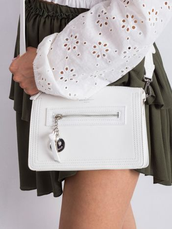 Damska torebka z ekoskóry biała